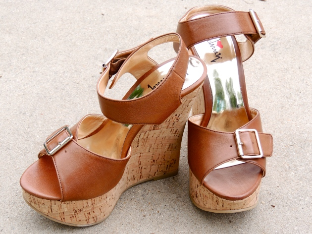 ootdtripedshiftluichinywedges6